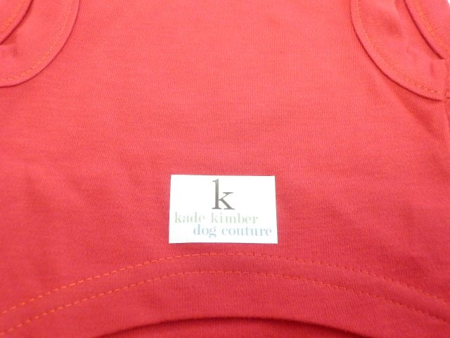 Kade Kimber ホワイト・マシュタッシュTシャツ レッド